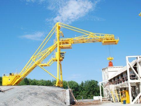 LogPro Radial Crane 25